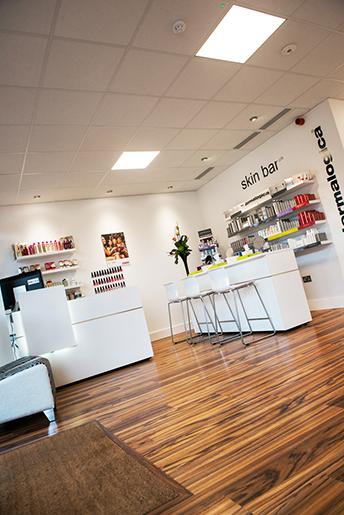 Studio-8-Beauty-Salon-reception-2
