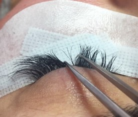 Russian Lashes application 3